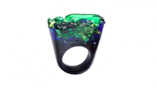Pasionae-Murano-Glass-Ring-Delight-16x9_jpg_700x394_crop_upscale_q85
