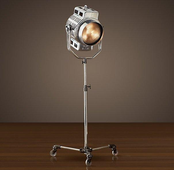 hollywood-studio-floor-lamp-ww