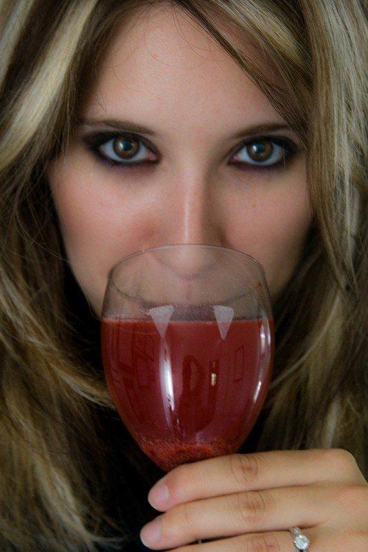 vampire-wine-glasses-ww