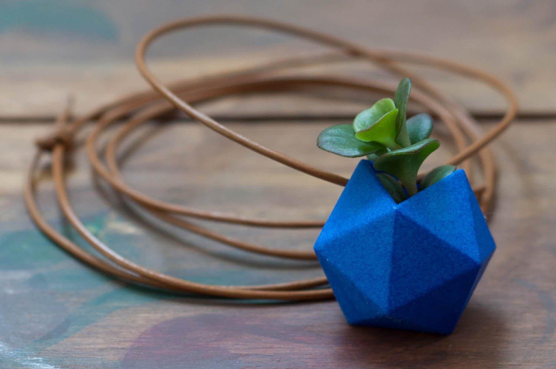 weareable-planter